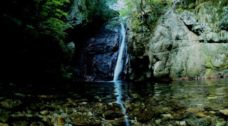 L' Abbazia di Peseca e la cascata del Litrello (VIDEO)